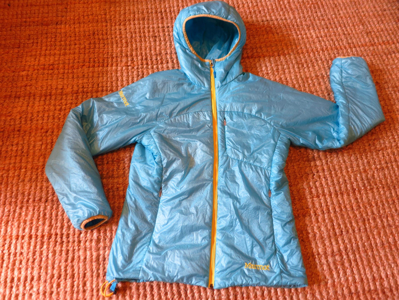 Marmot Dena- מעיל במילוי סינטטי.