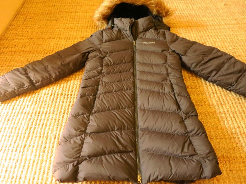 Marmot Montreal- מעיל פוך אורך עם כובע מבודד (ניתן להסרה).