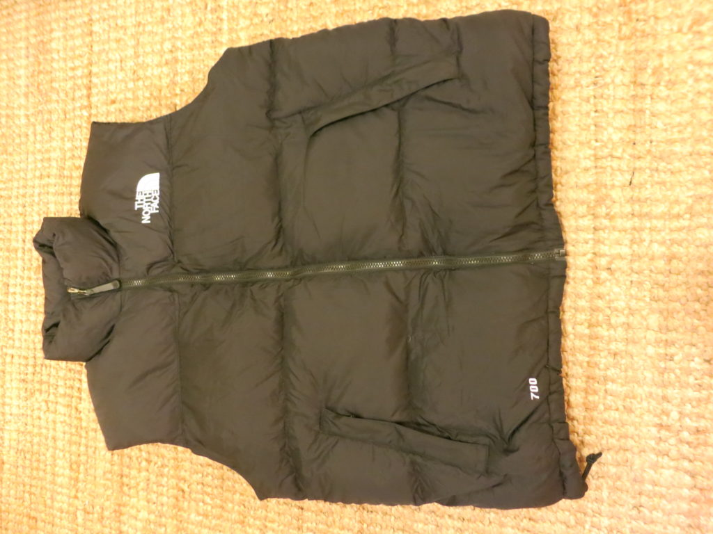 The North Face Down Vest- ווסט במילוי פוך (700).
